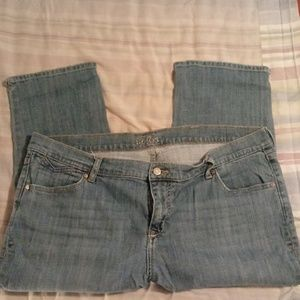 Old Navy denim capris size 18